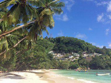 Strand auf Mahe, Seychellen
